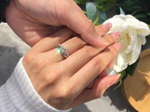 Cincin Tunang Emas dan Cincin Nikah Berlian