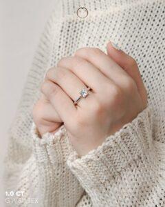ZCOVA GIA princess shape diamond ring on hand