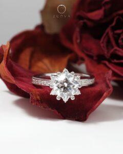 cincin nikah bercorak bunga dengan berlian GIA ZCOVA