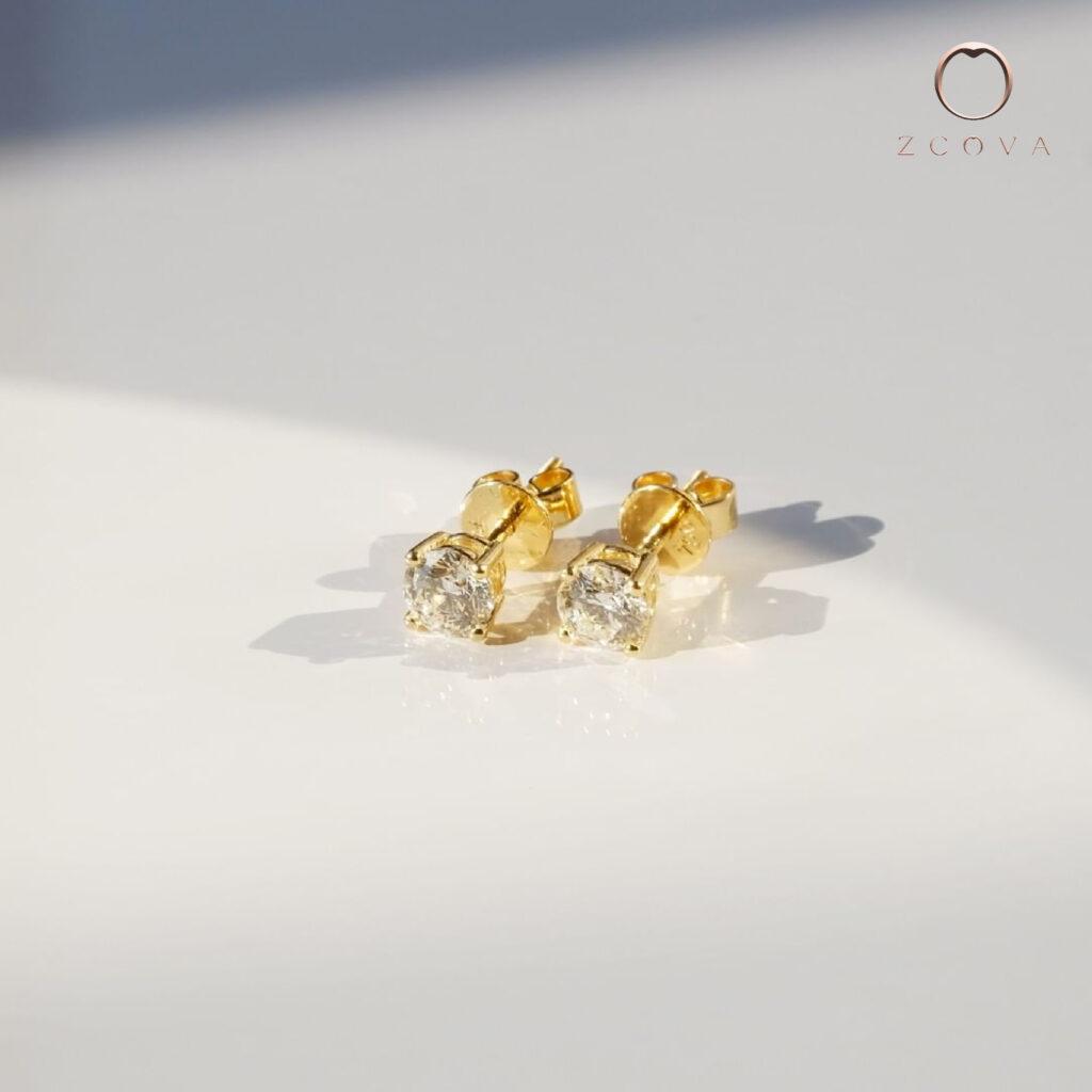 0.4ct diamond stud earring 18k yellow gold