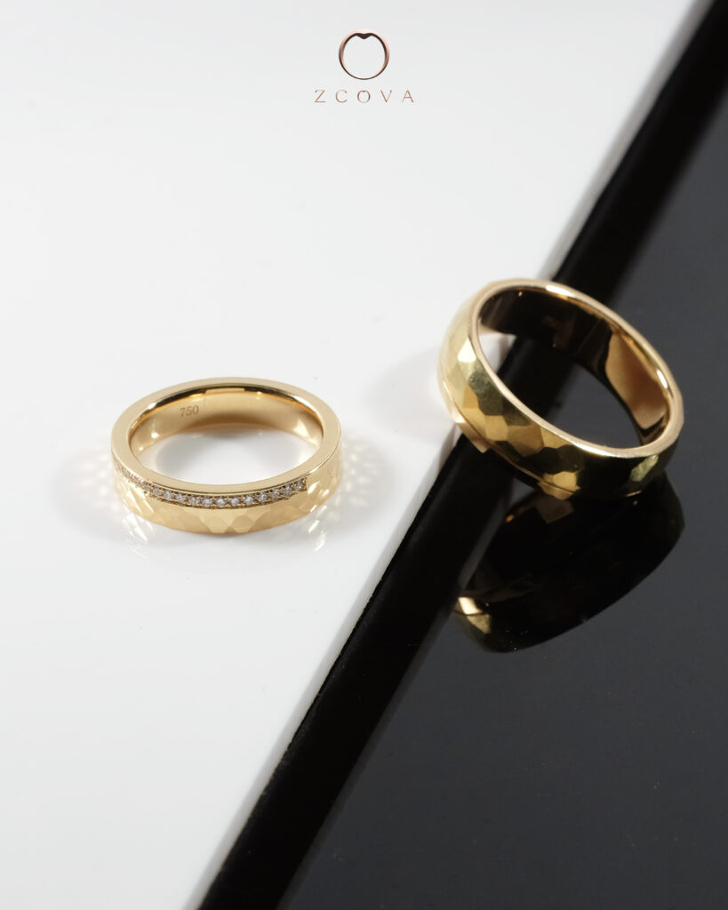 18K yellow gold wedding band
