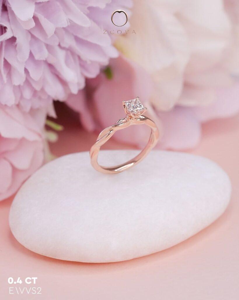 Princess cut tulip twisted band engagement ring