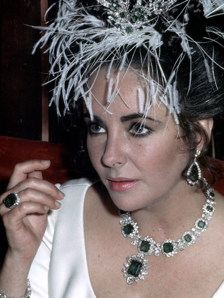 Elizabeth Taylor Emerald gemstone jewellery earring and necklace