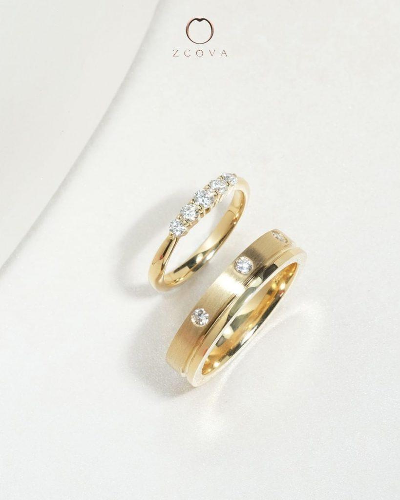 18K Yellow Gold Wedding Band Set